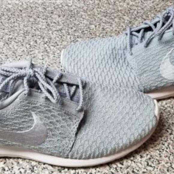 8c334e39ab0b5 Nike Roshe One NM Flyknit Running Shoes Size 12. M 5b8a0b7f4ab633c227d9c5dd